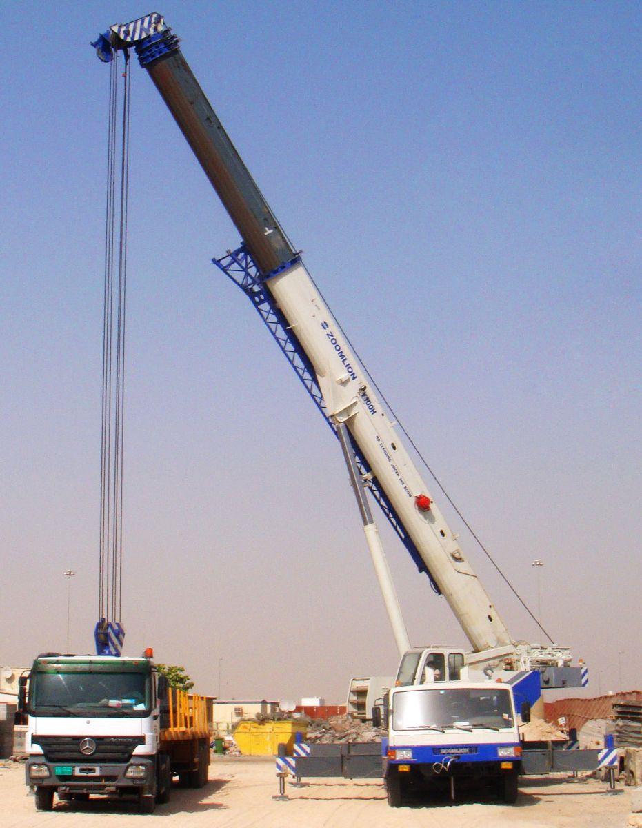 Cẩu lốp 100 tấn- Qy100H